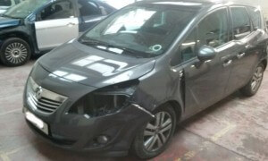 vauxhall meriva accident damage repair